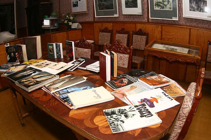 библиотека Омского Дома актёра